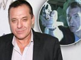 tom sizemore removed from set for 'violating girl, 11'