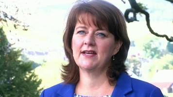 carl sargeant allegations inquiry needed for justice, says leanne wood
