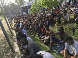 Pressure Grows on New Zealand to Bypass Australia To Help Manus Island Refugees