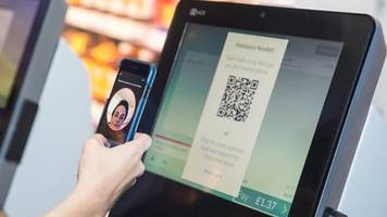 UK supermarkets try face-based ID and payment system