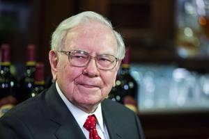 Apple is slipping despite the news Warren Buffett added to his stake (AAPL)