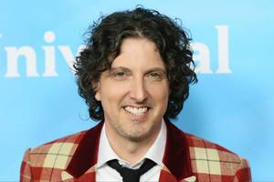mark schwahn suspended from 'the royals' amid sexual harassment investigation