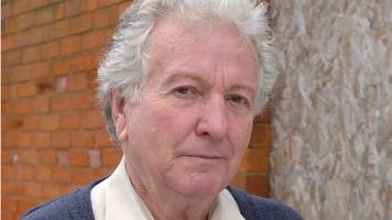 Keith Barron: Duty Free actor dies aged 83