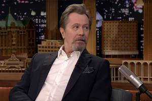 gary oldman nails robert de niro, christopher walken impersonations (video)