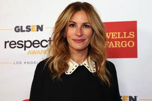 julia roberts says she was never sexually harassed: 'i don't know why i was spared' (video)