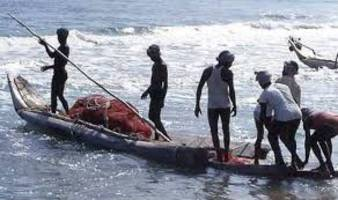 Sri Lankan navy arrested 10 Indian fishermen on charges of poaching