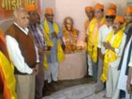 hindu party lay first stone for temple honouring godse