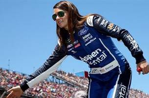 danica patrick to step away from full-time racing after running 2018 daytona 500 and indy 500