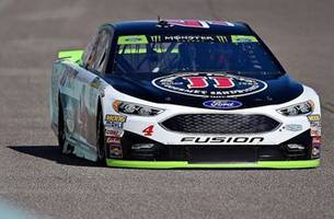 kevin harvick trying to give ford their first championship in over a decade