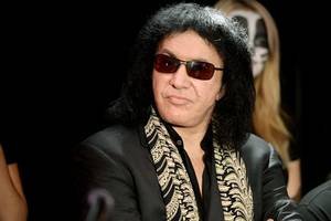 gene simmons tweets female-empowerment message, gets dragged over fox news ban