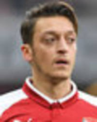 arsenal players love being alongside mesut ozil: he gives everything - hector bellerin