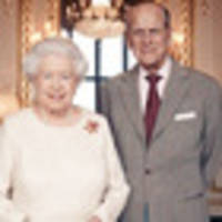 queen and prince philip pose for 70th wedding anniversary portrait
