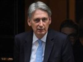 Philip Hammond to build 300k homes and give nurses payrise