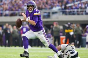 Keenum gets revenge on Rams, Vikings improve to 8-2