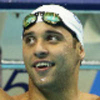 Le Clos kept waiting in Singapore