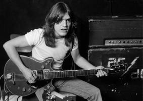 ac/dc's malcolm young has died
