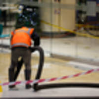 Foul-smelling leak empties out Auckland food court