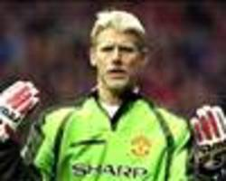 peter schmeichel includes no manchester united players in fifa 18 best xi