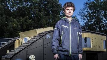 Lincolnshire Police defends Guy Martin tank decision