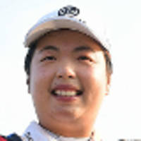 feng holds on to rankings top spot