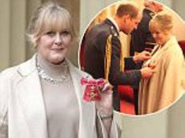 sarah lancashire honoured with obe from duke of cambridge