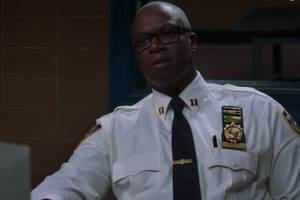 'brooklyn nine-nine': holt interrogates squad in missing thanksgiving pie caper (exclusive video)