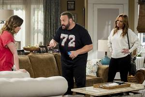 kevin james tells leah remini to take 'more realistic' selfies on 'kevin can wait' set (video)