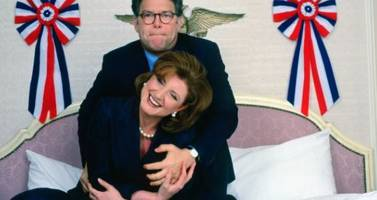 nypost publishes photos of al franken groping arianna huffington