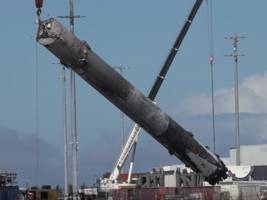 watch how spacex salvages its $40 million rockets for reuse
