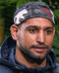 i'm a celeb 2017: amir khan tells fans to 'abuse' man for being gay in 'homophobic' posts