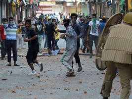 centre asks j&k govt to withdraw cases of first time stone pelting offenders