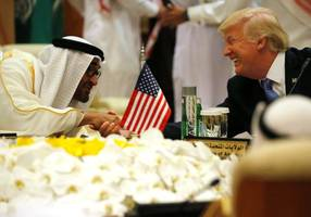 saudi arabia agrees to buy $7 bln in precision munitions from us firms