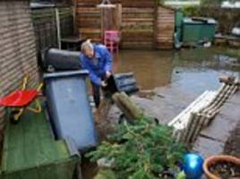 Flood victims in the North West told to buy own sandbags