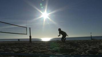 beach volleyball: england players prepare for commonwealth games debut