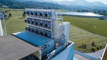 A Swiss System Is Capturing Carbon Dioxide from the Air and Reselling It