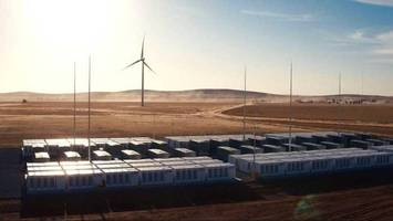Will This Colossal Battery Save Australian Electricity Woes?