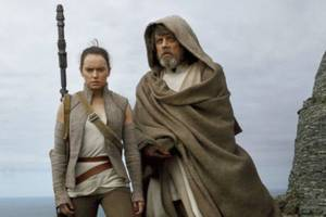'star wars: the last jedi' reviews: 'triumph,' 'explosive sugar rush of spectacle,' but has flaws