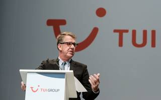 tui makes contingency plans for brexit as earnings jump