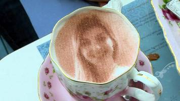 'Selfieccino' - Putting your face on a coffee