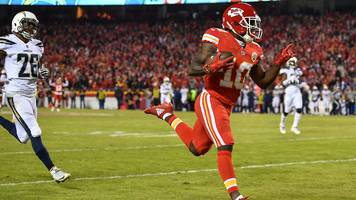 nfl: tyreek hill & todd gurley unstoppable in week 15's best plays