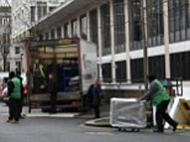 US embassy staff prepare for move to new London site