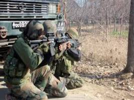 Two naxals killed in an encounter with security forces in Hazaribagh district of Jharkhand
