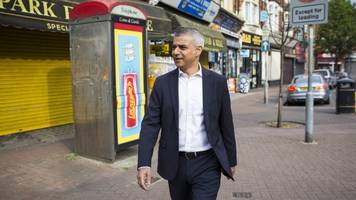 london's mayor remains unfazed as far-right protesters call for arrest