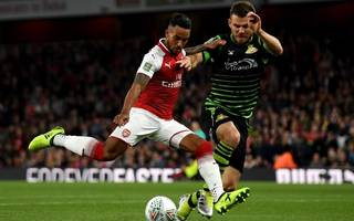 everton close to finalising £20m deal for arsenal forward