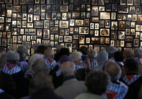the world remembers the holocaust - on twitter