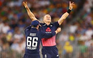 curran holds nerve to inspire england to one-day victory