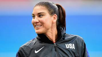 hope solo: former usa goalkeeper files complaint against us soccer federation