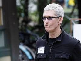 cnn is blaming apple for a bug that spammed iphone users with a barrage of the same push notifications (aapl, twx)