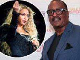 beyonce's dad says she wouldn't be famous with darker skin