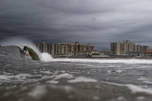 today's faulty tsunami warning is a reminder that tsunamis can happen on the us east coast, too